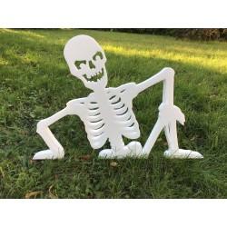 Földből kimászó csontváz dekoráció