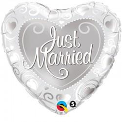 Esküvői Just Married Szíves Ezüst Fólia Lufi - 46 cm